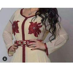 312 mentions J'aime, 1 commentaires - caftan marocaine (@caftan_maro) sur Instagram Moroccan Caftan, Kaftan, Chiffon, Instagram Posts, Fashion, Caftan Marocain, Moda, La Mode, Kaftans