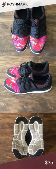 Adidas Shoes Adidas Shoes- women's size 10 - Used but still in really good  condition