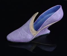 Just the Right Shoe by Raine  Italian Racer by GrayEstates on Etsy, $15.00