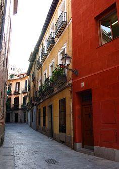 Calle Nuncio hacia plaza Puerta Cerrada - Madrid