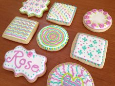Cookie decorating: Learning new techniques
