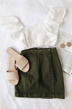 Modern Femme Olive Green Denim Mini Skirt – Daily Posts for Women Mode Outfits, Skirt Outfits, Trendy Outfits, Fashion Outfits, Womens Fashion, Fashion Trends, Fashion Ideas, Gym Outfits, Fashion Hacks
