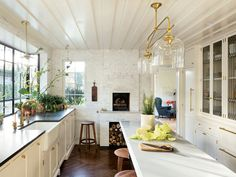 1920s english kitchen - Google Search Architectural Digest, Custom Kitchen Cabinets, Kitchen Cabinet Design, Custom Kitchens, Glass Cabinets, Bungalow Decor, Modern Bungalow, Old Home Remodel, Kitchen Remodel