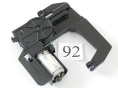 2003 MERCEDES C240 FRONT RH SEAT HEAD REST ADJUSTMENT MOTOR 2109700025 691 #92