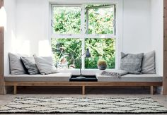 Furniture:Swedish Home Design Feat Window Seat With Reading Sofa Bed And Pillows What's Best Reading Sofa Bed To Enhance Your Reading Time Diy Daybed, Diy Sofa, Wooden Daybed, Daybed Couch, Daybed Ideas, Chaise Longue Diy, Window Benches, Window Seats, Modern Window Seat