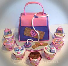 Dr Mcstuffin Doctor Bag And Cupcakes Dr. McStuffin doctor bag and cupcakes. Doc Mcstuffins Cupcakes, Doc Mcstuffins Birthday Cake, Doctor Mcstuffins, Dr Mcstuffin, Cute Cakes, Fancy Cakes, Doctor Cake, Disney Cakes, Dessert Decoration