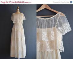 20 OFF  SALE  70s wedding dress / 1970s wedding von BreanneFaouzi, $158.40