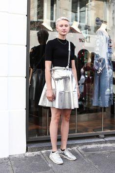 夏に負けないカラー使いが満載! パリジェンヌの最新着こなしを拝見。   FASHION   ファッション   VOGUE GIRL