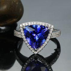 AAAAA 4.38ct Natural Trillion Cut Tanzanite Diamonds 18K White Gold Wedding Ring