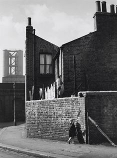 'Nine Elms, London', Wolfgang Suschitzky, 1958 | Tate Old Photography, Documentary Photographers, Monochrom, Street Photo, Black And White Photography, Photo S, Louvre, London, Building