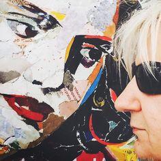 PAULO BRAGANÇA, o fadista irreverente e genial, está de regresso à Lisboa preparando o lançamento de um novo disco, e quis posar com o nosso pôster da Amália Rodrigues! Torn Paper, Collage Artists, Shape And Form, Portugal, Art Pieces, Portraits, Hand Painted, Art Prints, Gallery