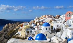 Oia Santorini: is the most famous of all villages of island grece Santorini .