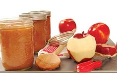 Making homemade applesauce with your kids