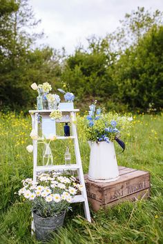 Late Spring/Early Summer Rustic Outdoor Wedding Inspiration in Shades of Yellow and Blue Summer Wedding Colors, Spring Wedding, Wedding Yellow, Wedding Beach, Aisle Flowers, Wedding Flowers, Outdoor Flowers, Late Summer Weddings, Simple Weddings