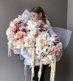 Wedding Bouquets, Wedding Flowers, Flower Shop Interiors, Flowers To Go, Birthday Fashion, Flower Aesthetic, Blossom Flower, Flower Decorations, Floral Arrangements