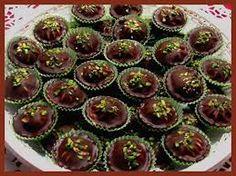 Výsledek obrázku pro košíčky Czech Recipes, Mini Cupcakes, Tiramisu, Baking Recipes, Sweet Tooth, Cheesecake, Food And Drink, Breakfast, Desserts