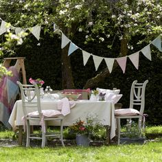 Plain Bunting in Green/Blue/Pink