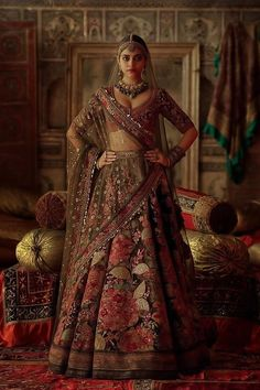 Top 15 Designer Bridal Lehenga for Wedding - Fashion Girls Indian Bridal Outfits, Indian Bridal Lehenga, Indian Bridal Fashion, Indian Designer Outfits, Sabyasachi Wedding Lehenga, Sabyasachi Lehenga Bridal, Designer Bridal Lehenga, Lehenga Designs, Bridal Lehenga Collection