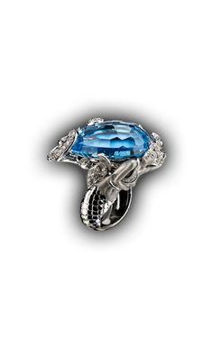 Magerit - Atlantis Collection: Ring Sirena Ola SO 1587.2     White Gold 18KT, Diamonds and Blue Topaz  #Magerit #MageritJoyas #AtlantisCollection