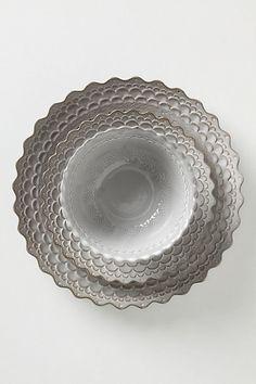 Piecrust Dinnerware
