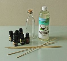 How to make your own essential oil diffuser? - - How to make your own essential oil diffuser? Homemade Reed Diffuser, Diffuser Diy, Essential Oil Diffuser, Essential Oils, Diffuser Recipes, Craft Stick Projects, Craft Stick Crafts, Candy Dispenser, Starter Set