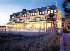 Unique to the area, Henderson Park Inn is #Destin's only beachfront Bed and Breakfast. This all inclusive #Bed and Breakfast has breathtaking #beach views in your very own quiet corner of the world.