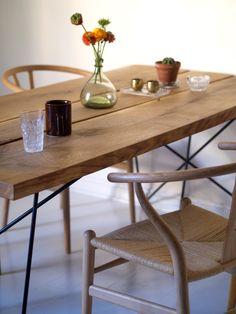 Oak table, love it!