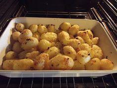 """""""Taki sposób na pieczone ziemniaki widziałam wieki temu, w programie kulinarnym, który prowadziła Katarzyna Pospieszyńska. Bardzo je lub..."""