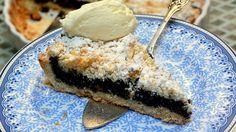 עוגת פירורים במילוי פודינג וניל-פרג Israeli Desserts, Custard, Vanilla, Ice Cream, Cake, Recipes, Food, No Churn Ice Cream, Cream