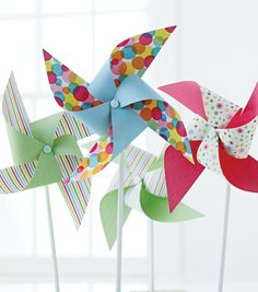 Decorate your garden with these cute pinwheels from @Martha Stewart #crafts