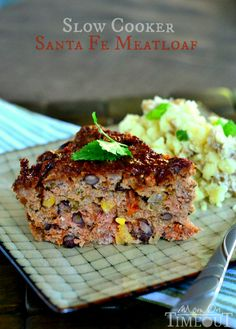 Slow Cooker Sante Fe Meatloaf _ I love all the colors in this meatloaf from the corn, black beans, cilantro green chiles, & red bell pepper – YUM! Slow Cooker Ground Beef, Crock Pot Slow Cooker, Crock Pot Cooking, Ground Beef Recipes, Slow Cooker Recipes, Crockpot Recipes, Cooking Recipes, Chef Recipes, Dinner Recipes