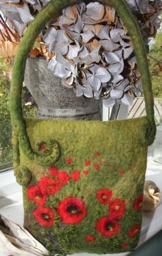 Poppies on bag....great handle