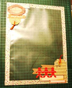 Bolsa portadocumentos scrapeada, a través del Blog Scrapbooklanding.  http://scrapbooklanding.blogspot.com.es/2012/04/laboratorio-scrap-bolsa-portadocumentos.html