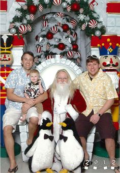 Two Brothers Have Been Taking Pictures With Santa For The Last 34 Years | Bored Panda