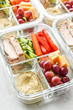This Chicken & Hummus Plate Lunch Meal Prep is so simple yet incredibly delicious! Get back to basics with some fresh cut bell pepper, carrot, cucumbers, paired with a perfect portion of chicken breast, cheese slices, and grapes for a touch of sweetness. Simple portioning instructions included! #projectmealplan #mealprep #coldlunch #hummusplate #bistrobox Fruit, Food, Diet To Lose Weight, Lose Weight In A Week, At Home Workouts, Health Tips, Lose Belly, Losing Weight, Eten