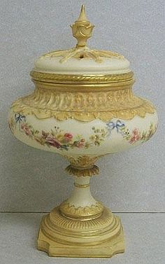 Grainger Worcester Royal China porcelain vase, cover and inner lid, in blush and cream ground highlighted with floral sprays and gilt