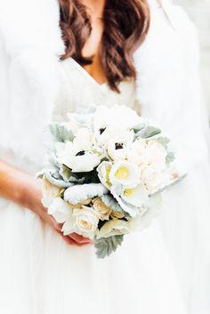 Nous renouvelons tous nos voeux de bonheur à Katie & Austin et nous remercions chaleureusement  @VanessaetCaroline pour leur confiance et leur gentillesse.   Weeding planner : http://vanessaetcaroline.com. Crédits photos : Katie Mitchell Photography. Fleurissement : Atelier Vertumne.  #wedding #flowerwedding #mariage #vertumne #floraldesign #ateliervertumne #artisanfleuriste #luxewedding #romanticflower