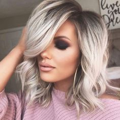Perfect Medium Blonde Hairstyles Trends for 2019 Medium length hairstyles are no doubt one of the ideal hairstyles for women to try in year Since last many year ladies have been used to wear this best hair styles just for modern personality nowadays. Pretty Hairstyles, Hair Lengths, Hair Trends, Hair Inspiration, Curly Hair Styles, Ladies Hair Styles, Hair Makeup, Makeup Eyes, Hair Cuts