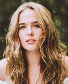 Session 004 - Who What Wear - 007 - Photogallery at Zoey Deutch Network Young Actresses, Female Actresses, Katniss Everdeen, Blond, Zoey Deutch, Prettiest Actresses, Danielle Panabaker, Tan Skin, Woman Face