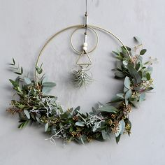 DIY eucalyptus door wreath by @barbeinthagen #grenediy