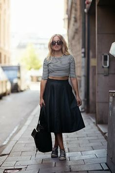 breton shirt + black midi skirt Love this look but with a shorter skirt, midi skirts are not my friend!