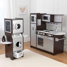 KidKraft Espresso Uptown Play Kitchen and Laundry Playset // Cocinita y sala de lavado Kitchen Ikea, Kids Play Kitchen, Toy Kitchen, Kitchen Sets, Play Kitchens, Kitchen Playsets, Kitchen Stove, Wooden Kitchen, Barbie Furniture
