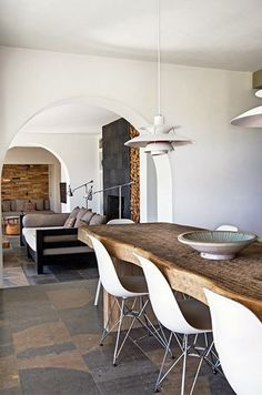 A dream home in Ibiza Ibiza, Dining Room Design, Dining Area, Dining Table, Open Plan Living, Rustic Interiors, Modern Interior Design, Home Decor Accessories, Home And Living