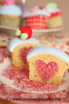 How To Bake A Heart Into Your Cupcake #cupcakes