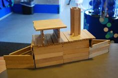 Constructie: Kapla stoomboot Art For Kids, Crafts For Kids, Working With Children, Lego Creations, Diy Toys, School Fun, Toys For Boys, Kids Christmas, Plank