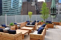 The Haven Rooftop offers breathtaking views of New York City and is open for guests to enjoy craft cocktails, mouthwatering food, and great music Haven Rooftop, Outdoor Restaurant Design, Outdoor Furniture Sets, Outdoor Decor, Retail Space, New York City, Ali, Lounge, Spaces