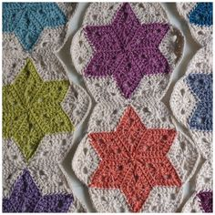 Atty's : Pattern/Photo Tutorial Star Blanket Tutorial for Crochet, Knitting. Crochet Motifs, Crochet Quilt, Crochet Blanket Patterns, Knit Or Crochet, Crochet Crafts, Crochet Projects, Free Crochet, Crochet Blankets, Crochet Circles