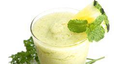 Cómo preparar jugo de pepino y piña http://www.revistadominical.com.ve/noticias/cocina/como-preparar-jugo-de-pepino-y-pina.aspx