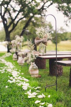 Burlap Aisle Runners for Weddings with Baby's Breath #weddingceremony