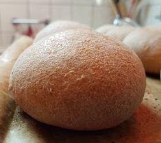 Viki Egyszerű Konyhája: A legfinomabb pihe-puha zsömle Hamburger, Bread, Vegan, Food, Brot, Essen, Baking, Burgers, Meals